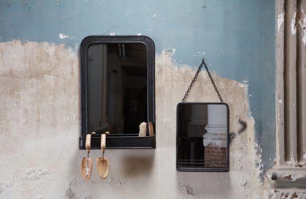 Speak hangende spiegel met planchet metaal zwart